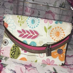Thirty-one clutch wallet prototype bag